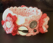 Crochet Bracelet with Buttons