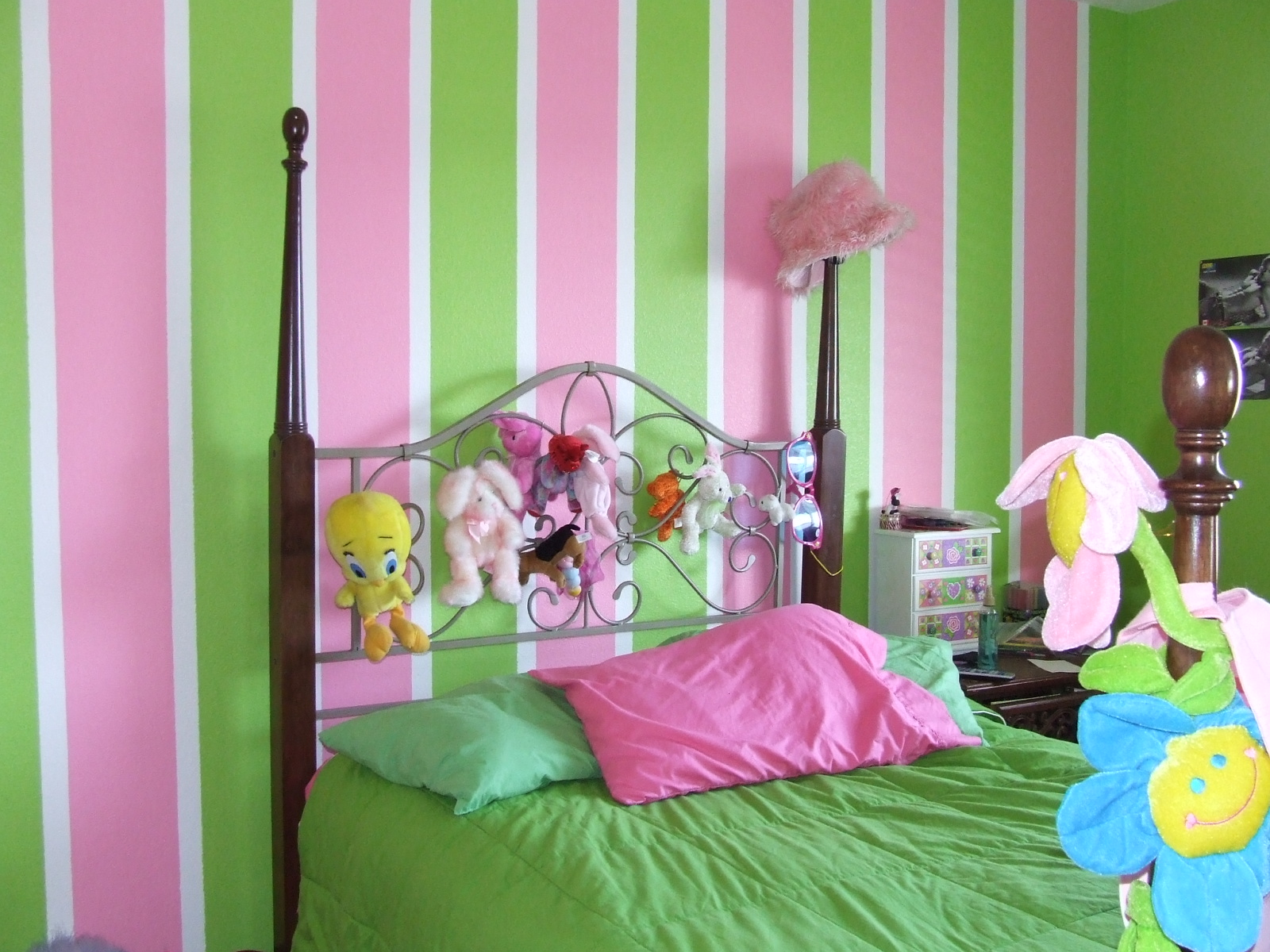 Tona Painting Job Pictures Stripes Awesome Girl Room Idea
