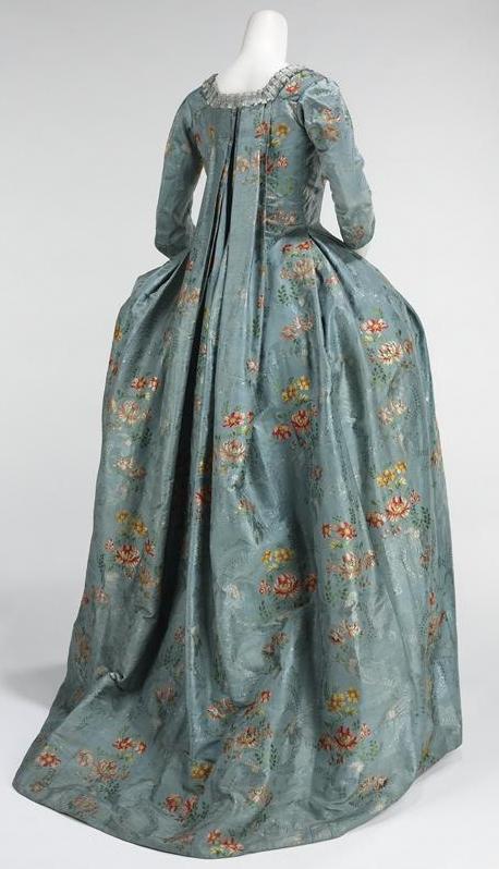 [robe+a+la+francaise+back.jpg]