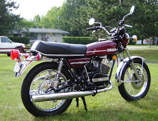 VISUAL GRATIFICATION: Legends - YAMAHA RD 350