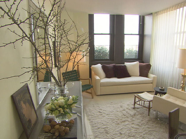 Very Small Living Room Decorating Ideas: LadyBugCreek: Small Space Decorating