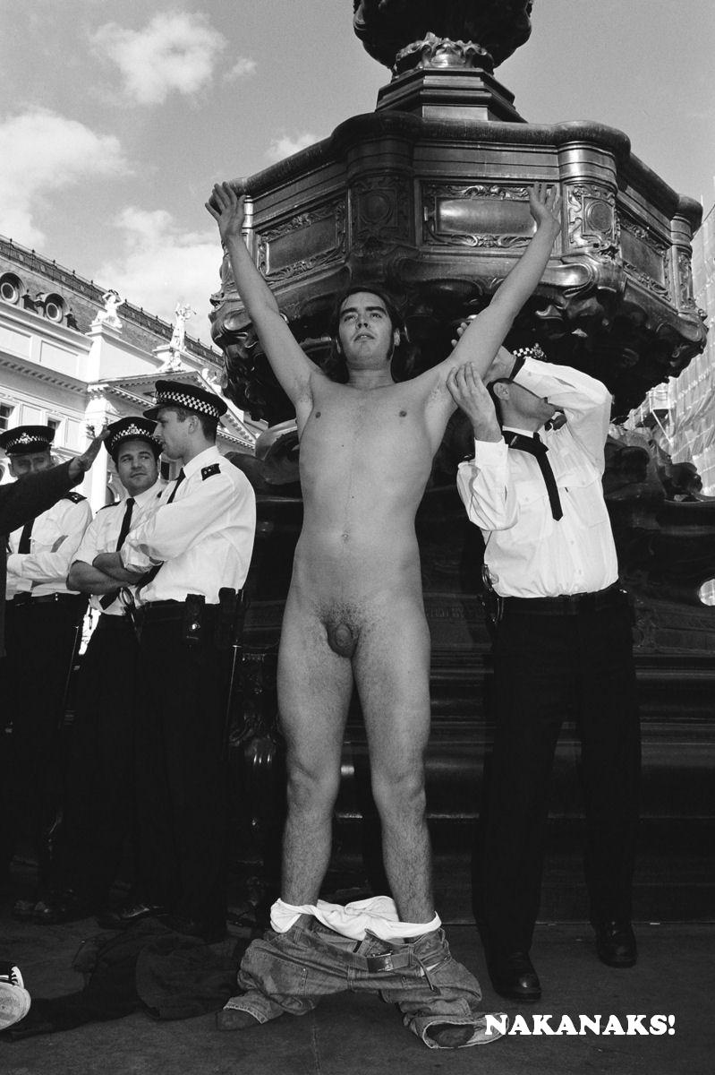 Russell Brand Nude Photos 49