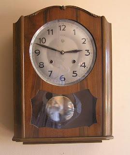 a049c7bf275 Restauro Reparação Relógios Antigos Lisboa  Relógio de parede Reguladora