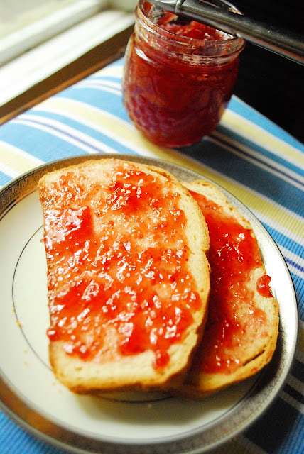 How to Make Homemade Strawberry Jam