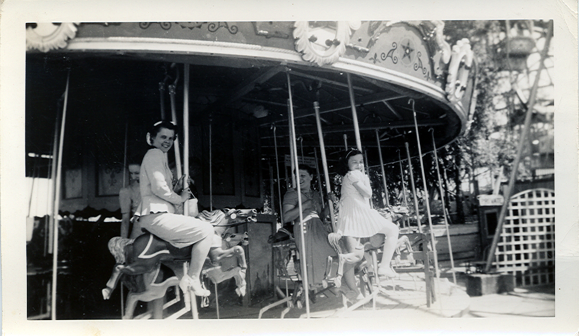 Tracy's Toys (and Some Other Stuff): Vintage Carousel Photo