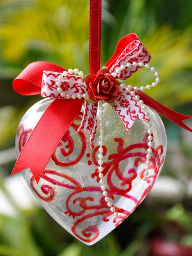 of photos & paper: Heart Christmas Ornament