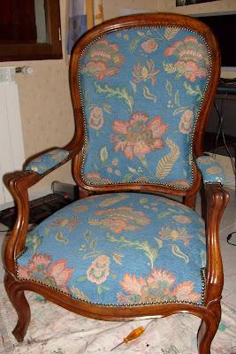 toiles et dentelles refaire un vieux fauteuil. Black Bedroom Furniture Sets. Home Design Ideas