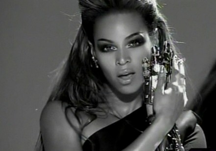 Beyonce Put A Ring On It Man In Video 91