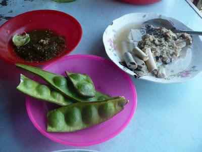 Sambal Petai Holat Holat...., Makanan Khas Tapanuli Selatan yang Segar dan Menyehatkan