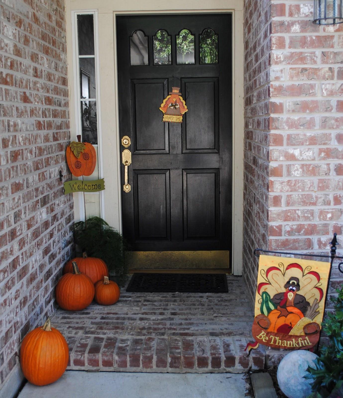Door Decors: Thanksgiving Decorations And Recipes