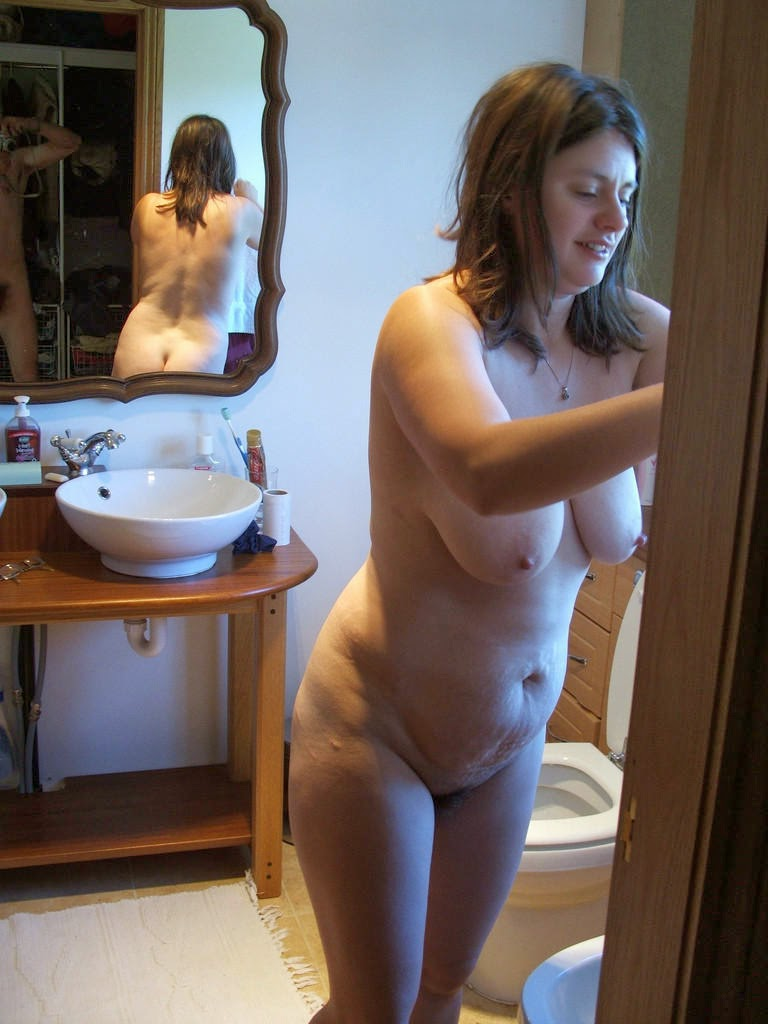 Unaware wife naked