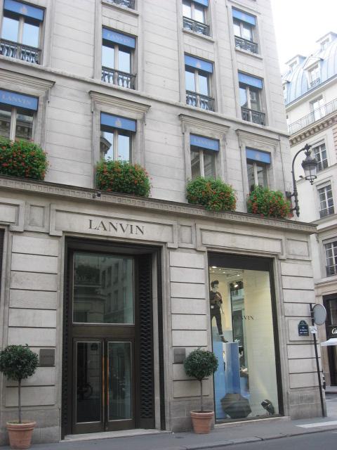 parade lanvin flagship store 22 rue du faubourg st. Black Bedroom Furniture Sets. Home Design Ideas