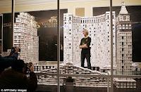 Construye hotel con naipes