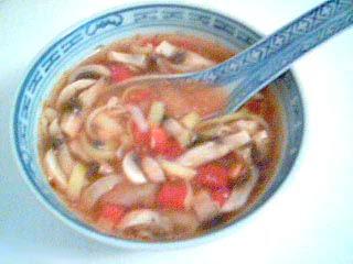 Het och Sötsyrlig Pekingsoppa