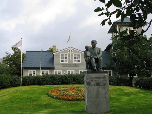 Blogtrotter Icelandic Colours