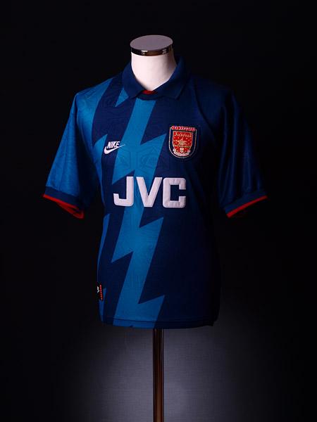 b81dce6809c ChuchalanaChubelembe: Vintage Arsenal Jersey