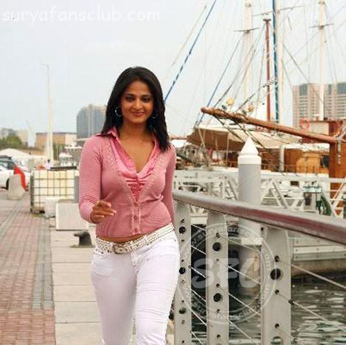 Hot Anushka: Singam Movie Anushka
