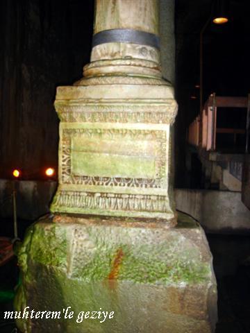 yerebatan sarayı medusa başı kolonu
