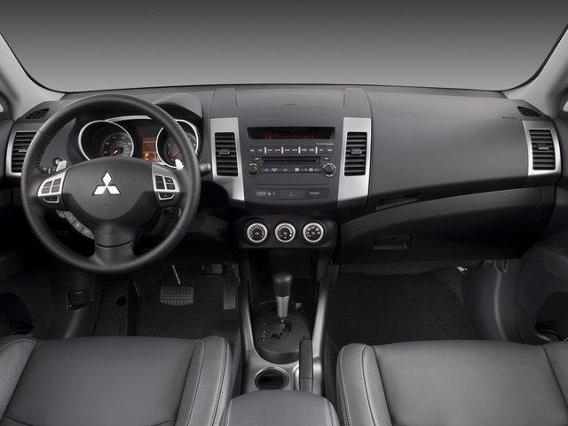 the poor car reviewer: 2007-2010 mitsubishi outlander