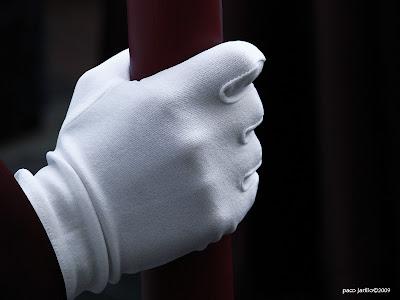 Ladrones de guante blanco...como siempre.