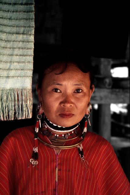Mujer Kayan en Tailandia