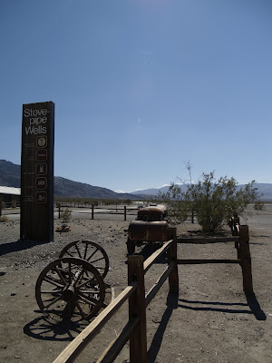 Parada de Stovepipe Wells en Death Valley