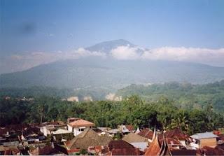 9 Wisata Alam Menakjubkan di Sumatera Barat | Fahmee76