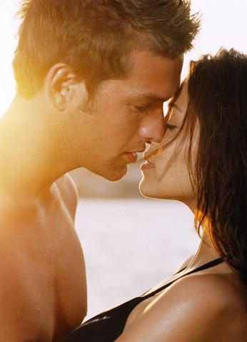 thots kissing