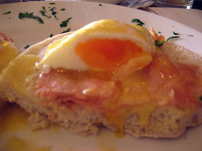 Egg Royal Holandaise sauce