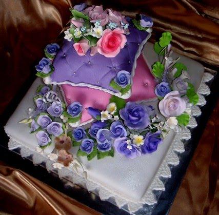 Cakes And Cupcakes Johor Bahru  Pillow Tiers Wedding