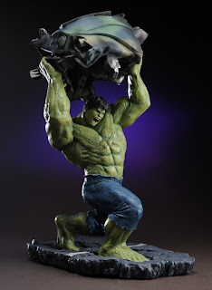MOVIE AND COMIC BOOK STATUES AND BUSTS