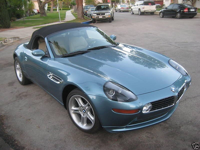 bmw z8 replica kit using a bmw z4 roadster as a base. Black Bedroom Furniture Sets. Home Design Ideas