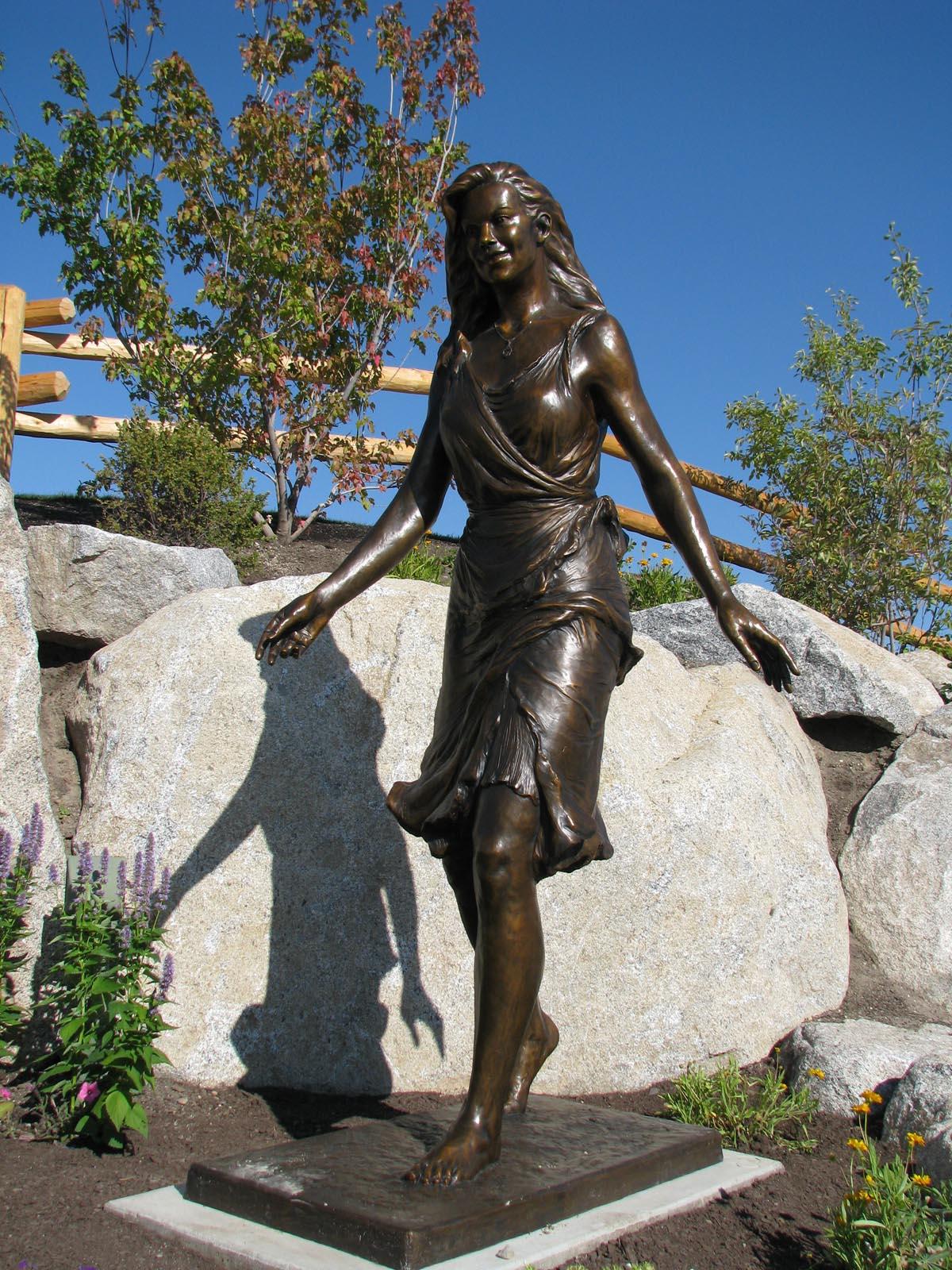 """Sculpture Queen"". Custom Bronze Statues by Lena Toritch ..."