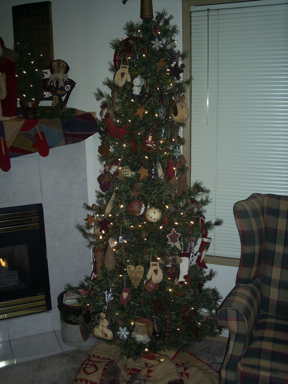 Primitive Heartstrings: Christmas Decorating!!