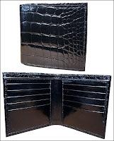 Portefeuille en alligator de Woodwardboots (575$). il peut disposer en option (95$) d'un pochette amovible pour carte d'identité.