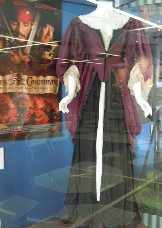 Hollywood Movie Costumes and Props: Keira Knightley's gown ...