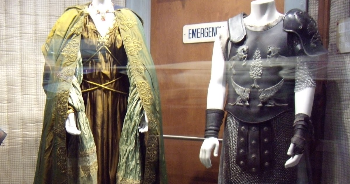 hollywood movie costumes and props russell crowe and