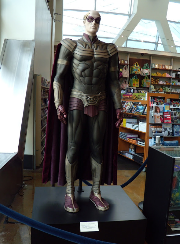 Ozymandius Watchmen original film costume & Hollywood Movie Costumes and Props: Original Watchmen movie costumes ...