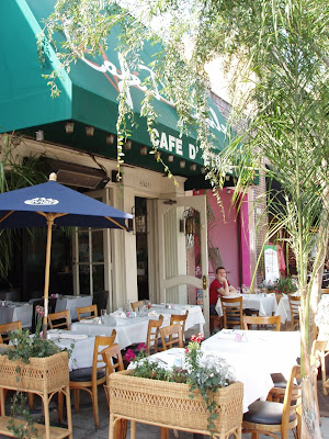 Cafe D etoile outside dining