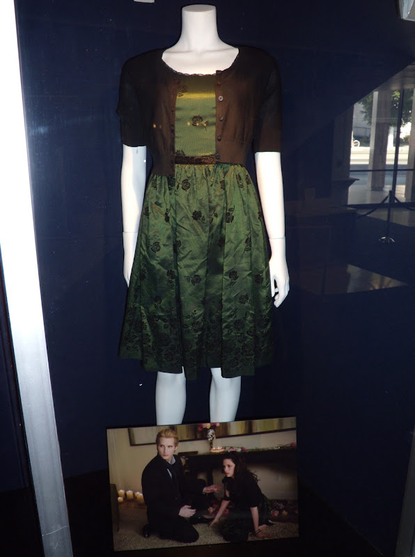 Kristen Stewart Bella Swan Twilight New Moon film costume