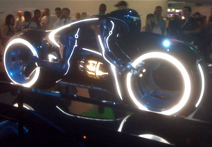 Tron Legacy Lightcycle reproduction