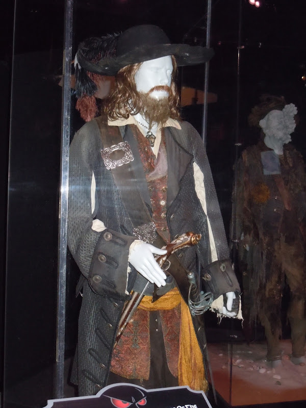 Captain Barbossa Geoffrey Rush Pirate costume