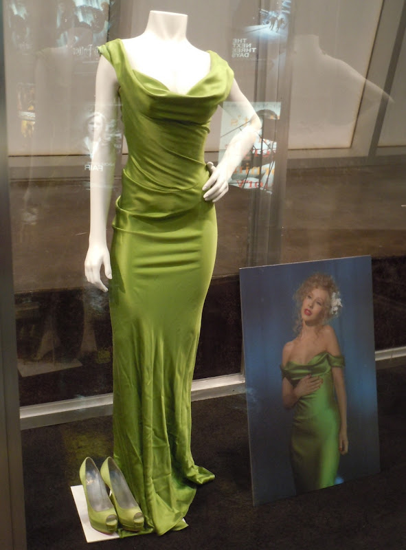 Christina Aguilera Burlesque green dress