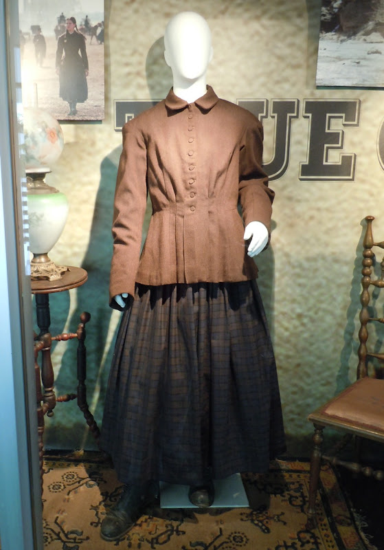 attie Ross True Grit costume