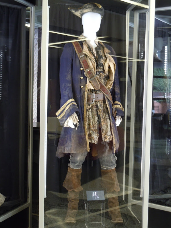 Jack Davenport Norrington Pirates costume