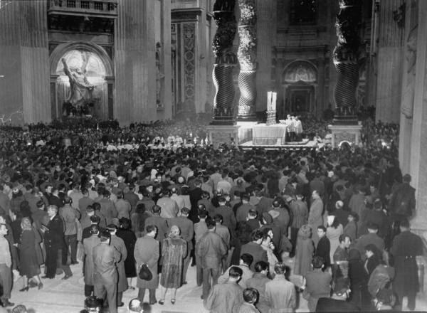 [Obrazek: Pope+Pius+XII+Midnight+Mass+%282%29.jpg]
