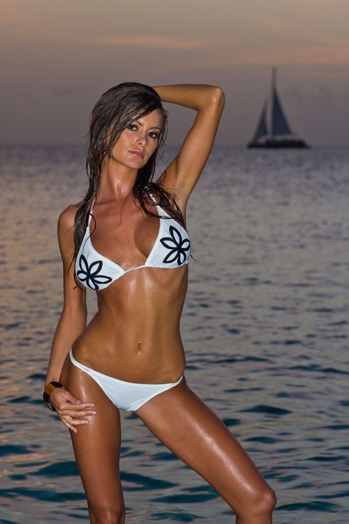 CHILL BOX OF PICS: SP Girl of the Day:Holly Weber