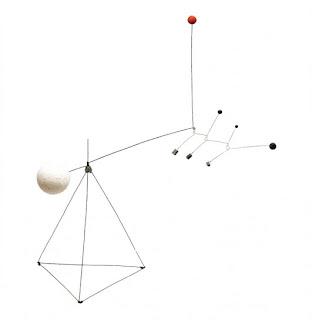 Alexander Calder escultura en movimiento