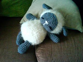 Free Crochet Pattern for Crochet Lamb 2 - thefriendlyredfox.com | 240x320