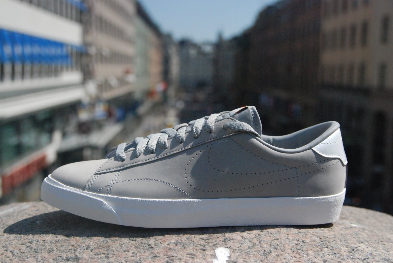 pretty nice 59f64 caa9b Nike Tennis Classic All Court Low ND. Check for more views here!